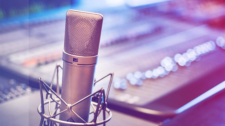 General image of Microphone, Insurance Podcast | Small Banner